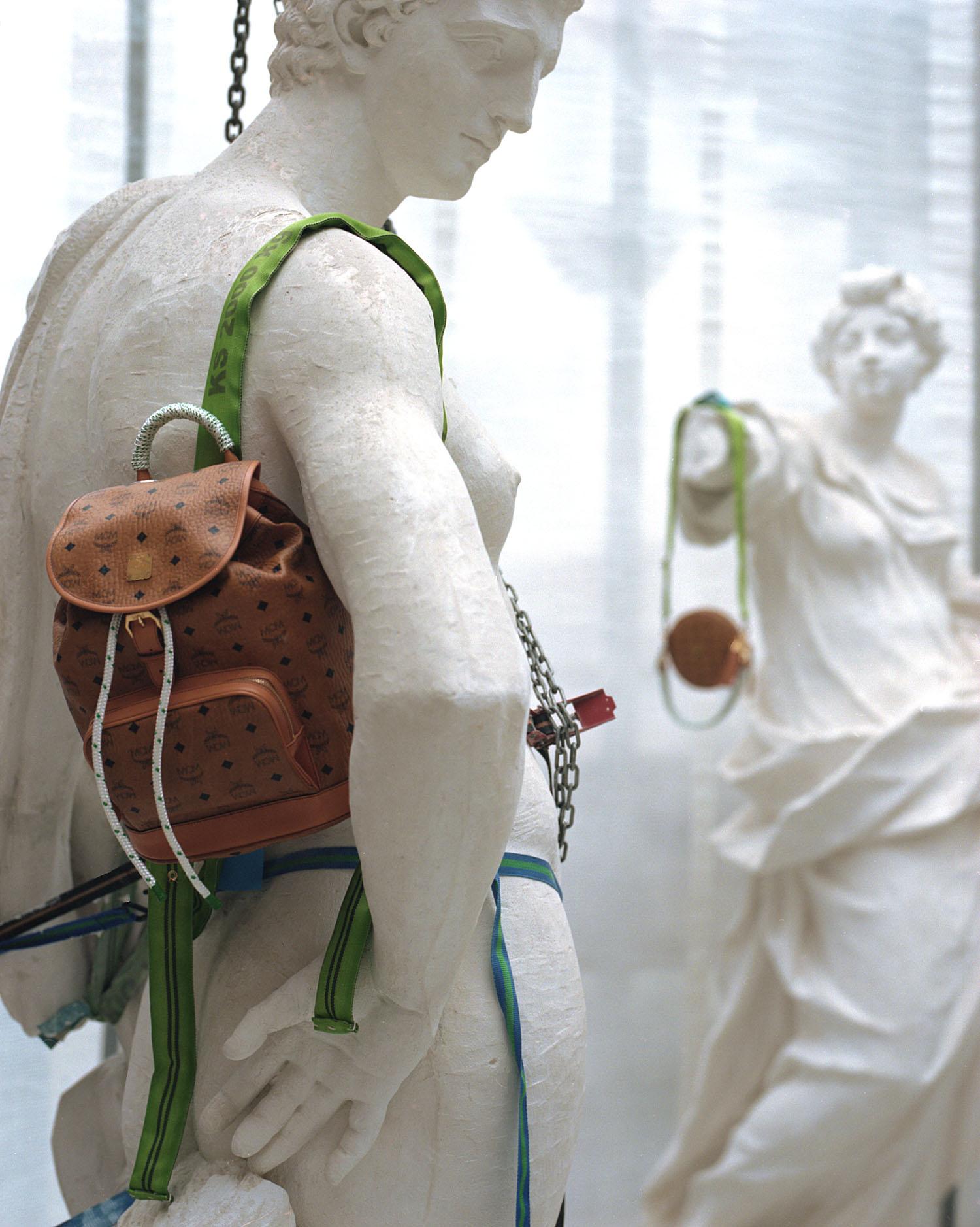 Fashion-MCM-KoenigSouvenir-ClaraRenner-07