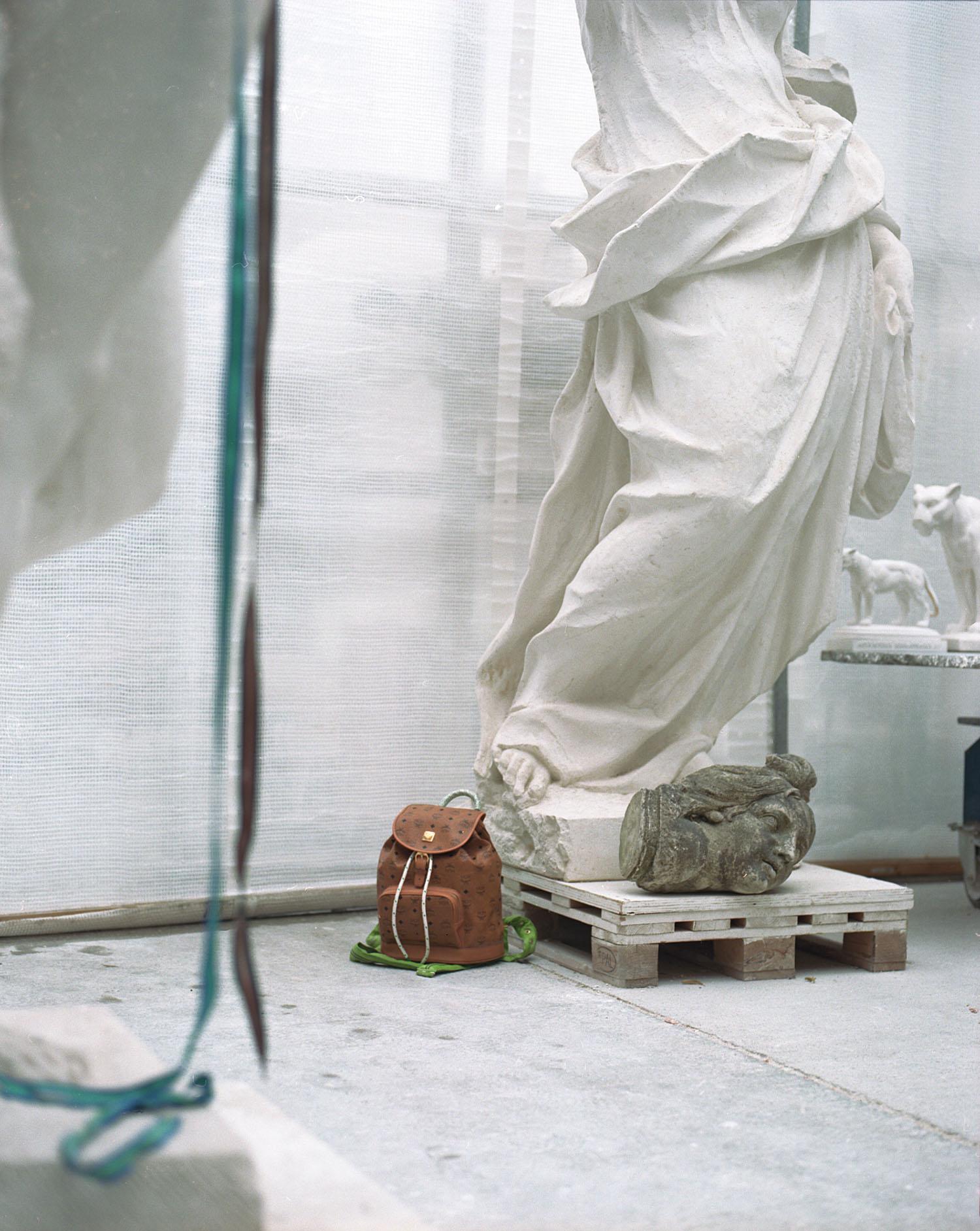 Fashion-MCM-KoenigSouvenir-ClaraRenner-08