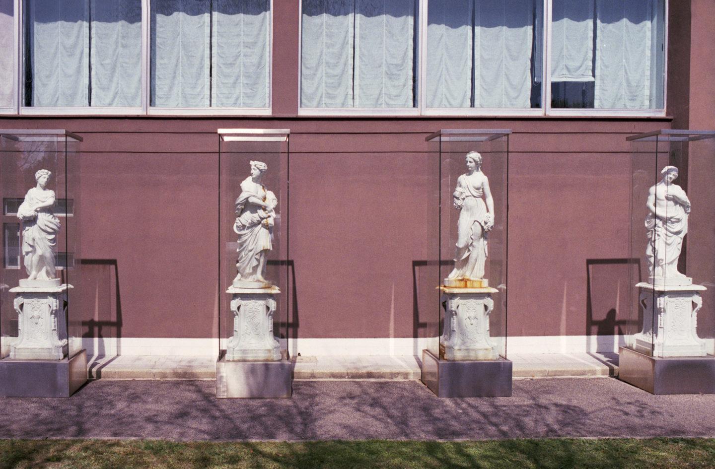 iGNANT-Stefan-Giftthaler-Statues-23