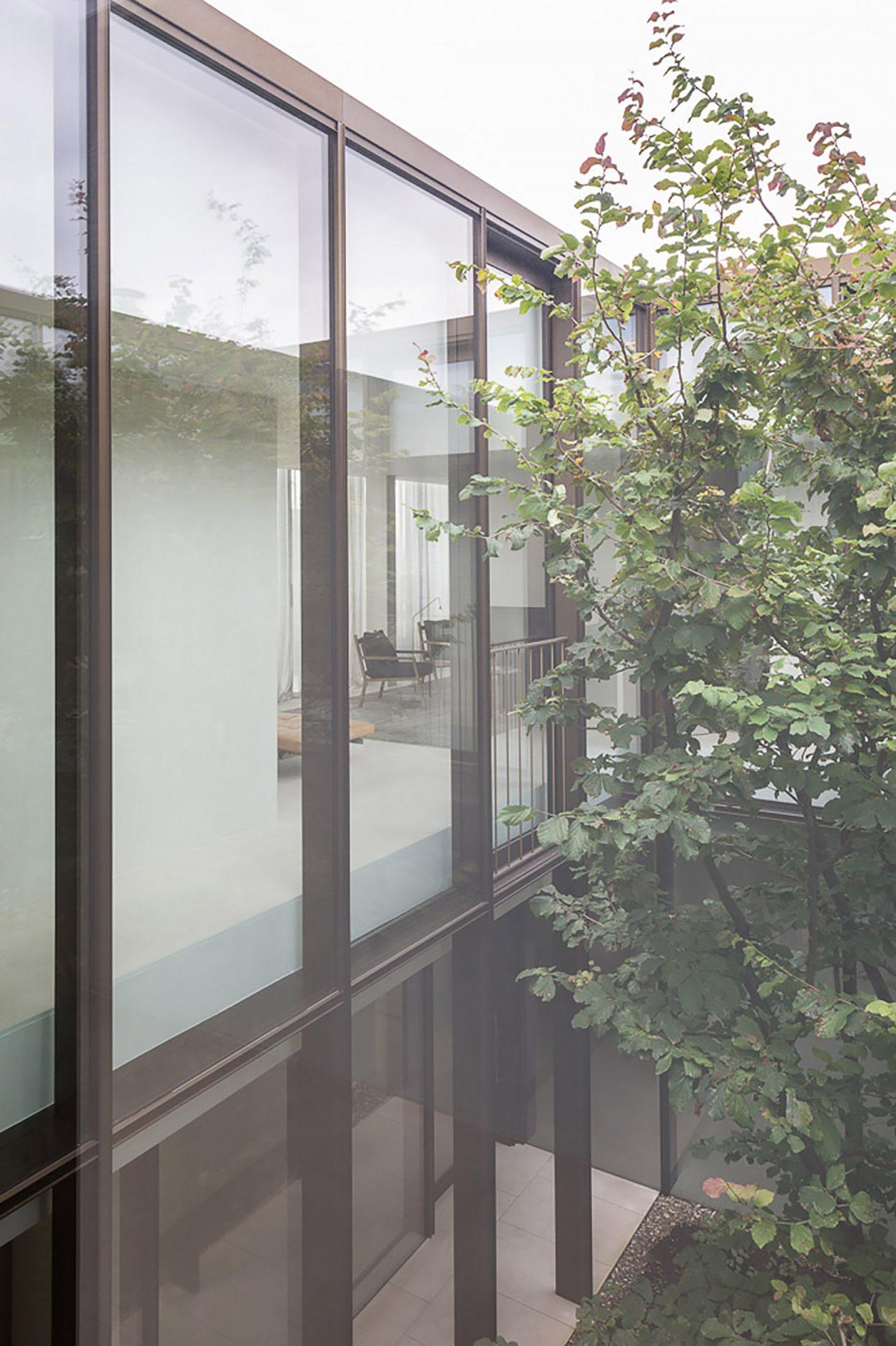 iGNANT-Architecture-Hans-Vertuyft-Penthouse-Antwerp-002