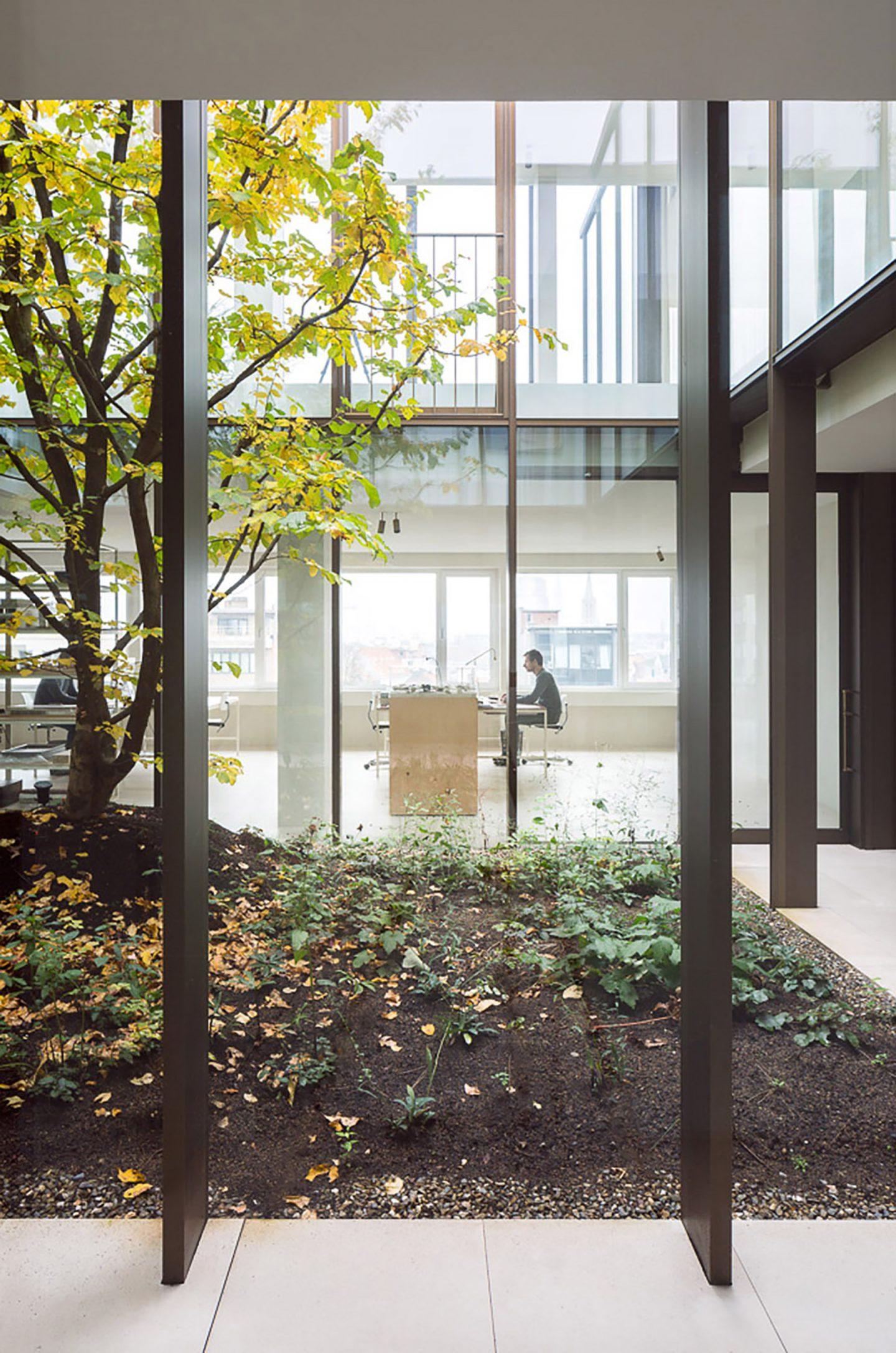 iGNANT-Architecture-Hans-Vertuyft-Penthouse-Antwerp-003