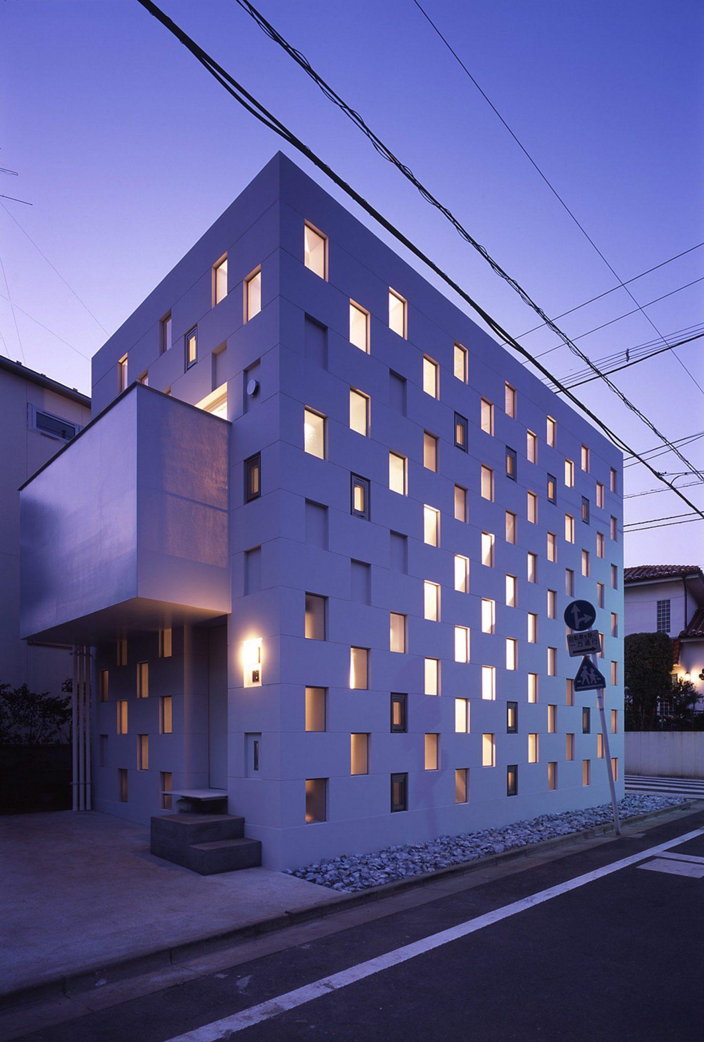 iGNANT-Architecture-Tekuto-Cell-Bars-15