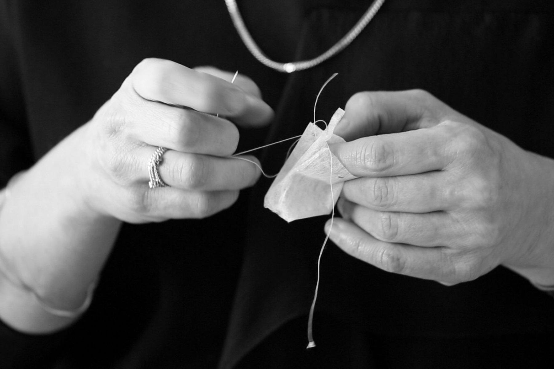 iGNANT-Design-Halssen-&-Lyon-Ayzit-Bostan-The-Teabag-Collection-07