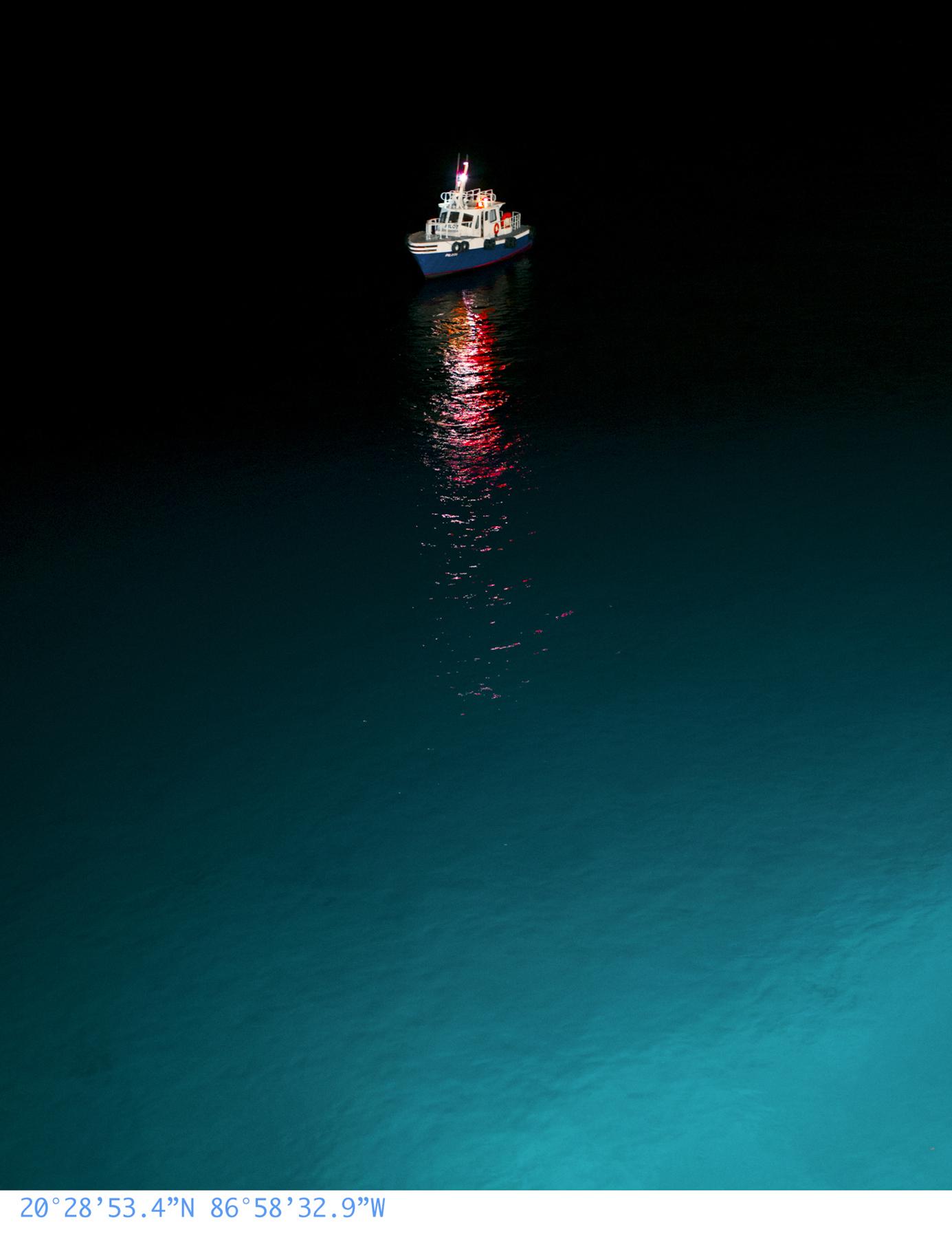 iGNANT-Photography-Anna-Beeke-At-Sea-014