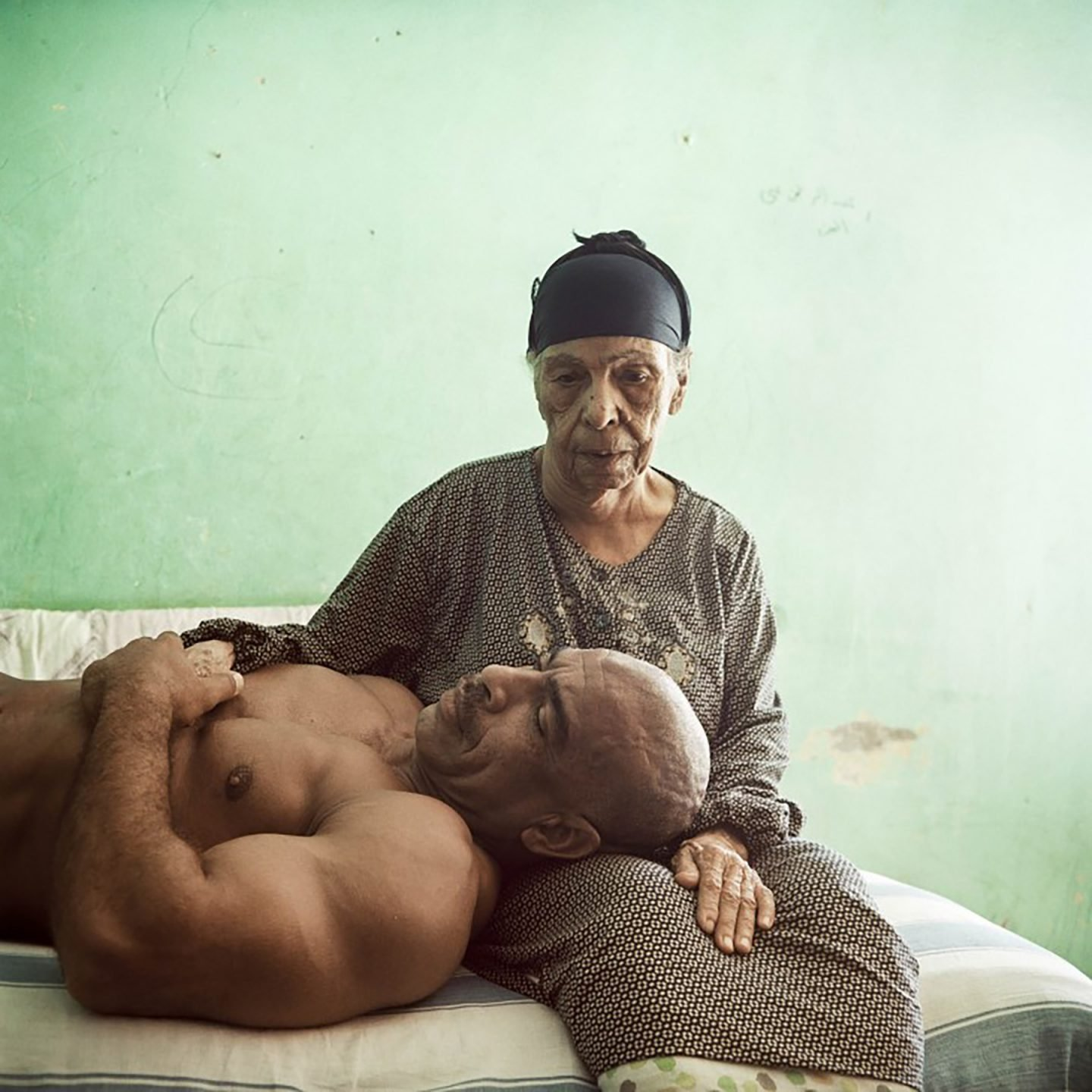 iGNANT-Photography-Denis-Dailleux-Egypt-Mother-And-Son-02