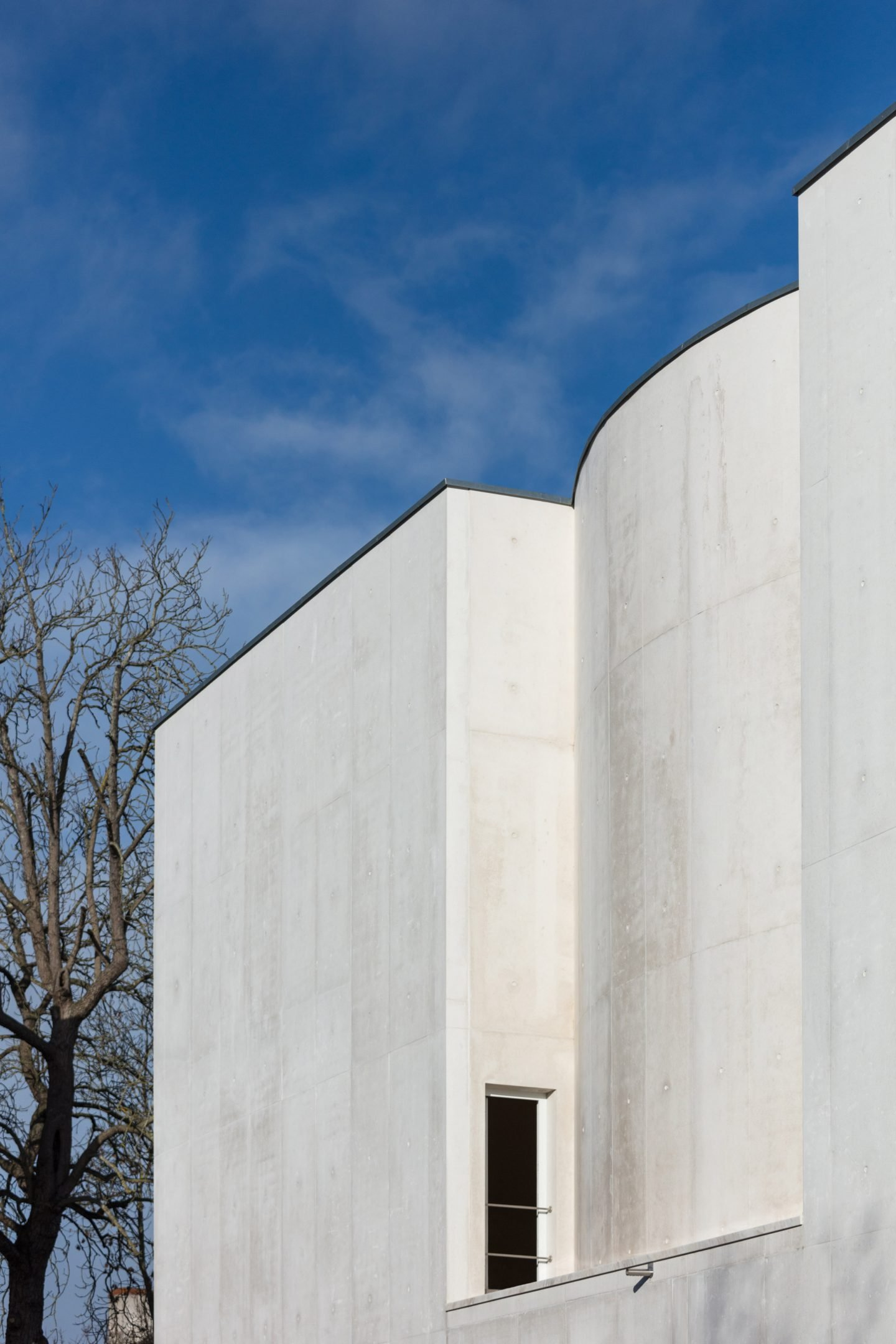 iGNANT-Architecture-Alvaro-Siza-Brittany-Church-005
