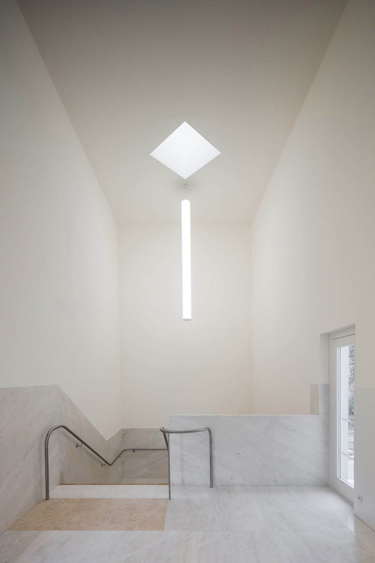 iGNANT-Architecture-Alvaro-Siza-Brittany-Church-010
