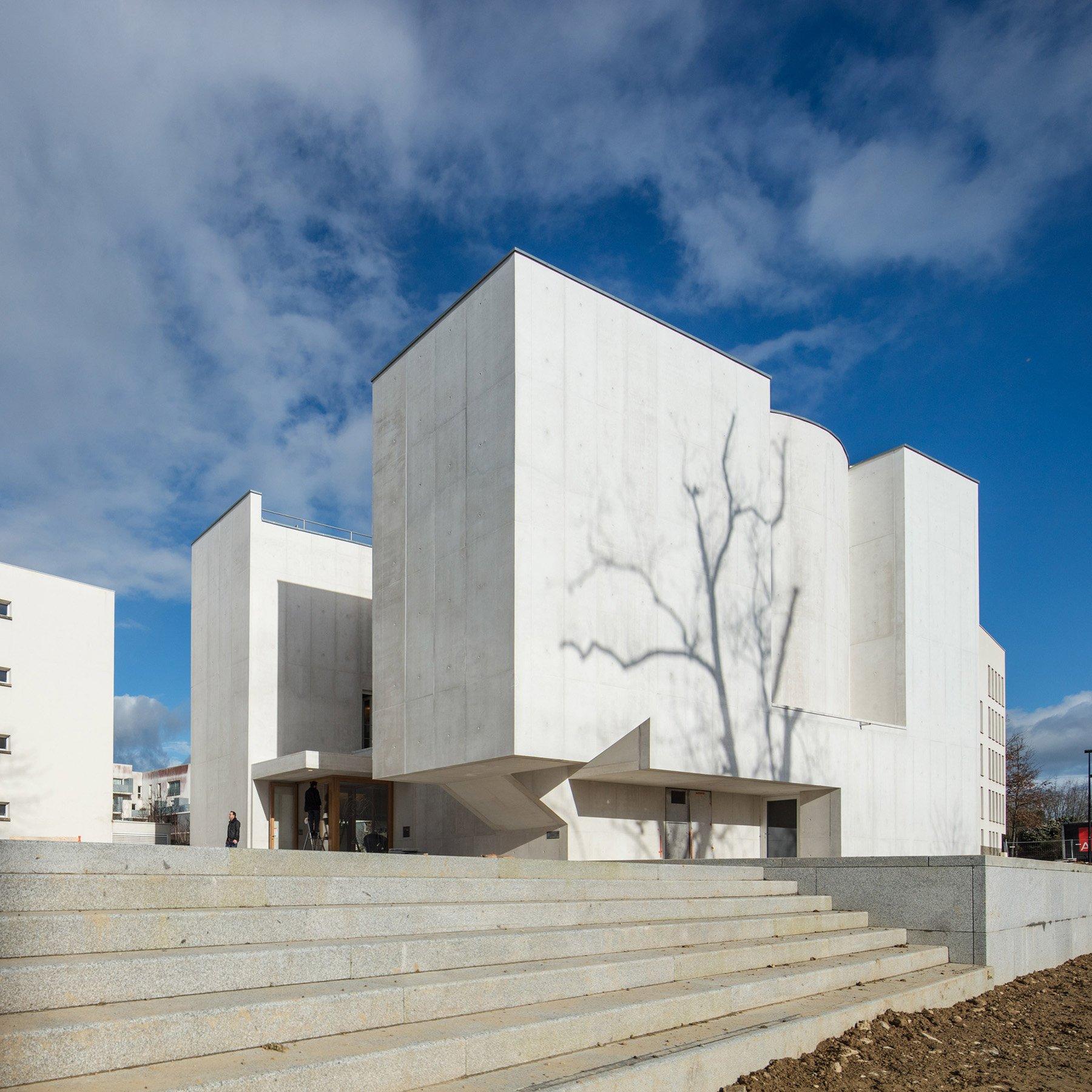 iGNANT-Architecture-Alvaro-Siza-Brittany-Church-014