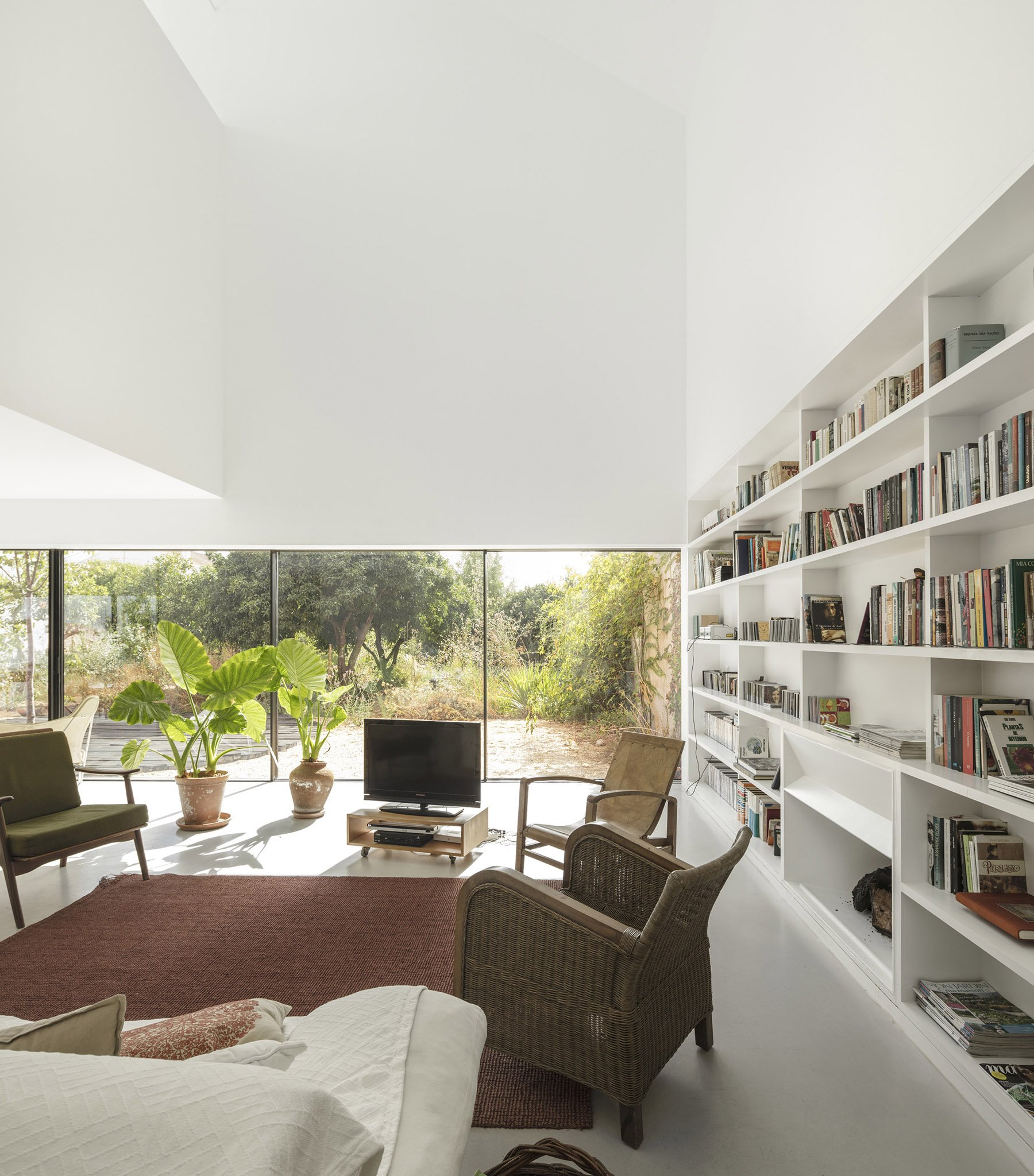iGNANT-Architecture-ExtraStudio-Converted-Winery-006