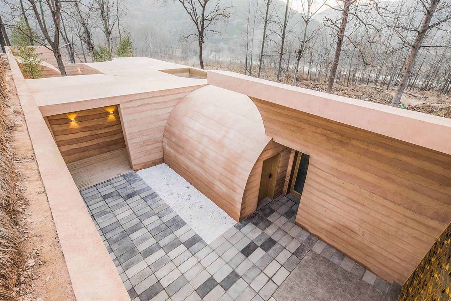 iGNANT-Architecture-hyperSity-The-Cave-House-09