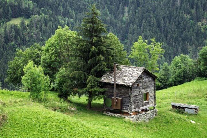 iGNANT-Architecture-Rapin-Saiz-Sarreyer-Cabin-01