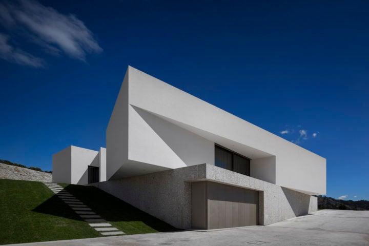 iGNANT-Architecture-Rue-Vieira-Oliveira-Brunhais-House-01
