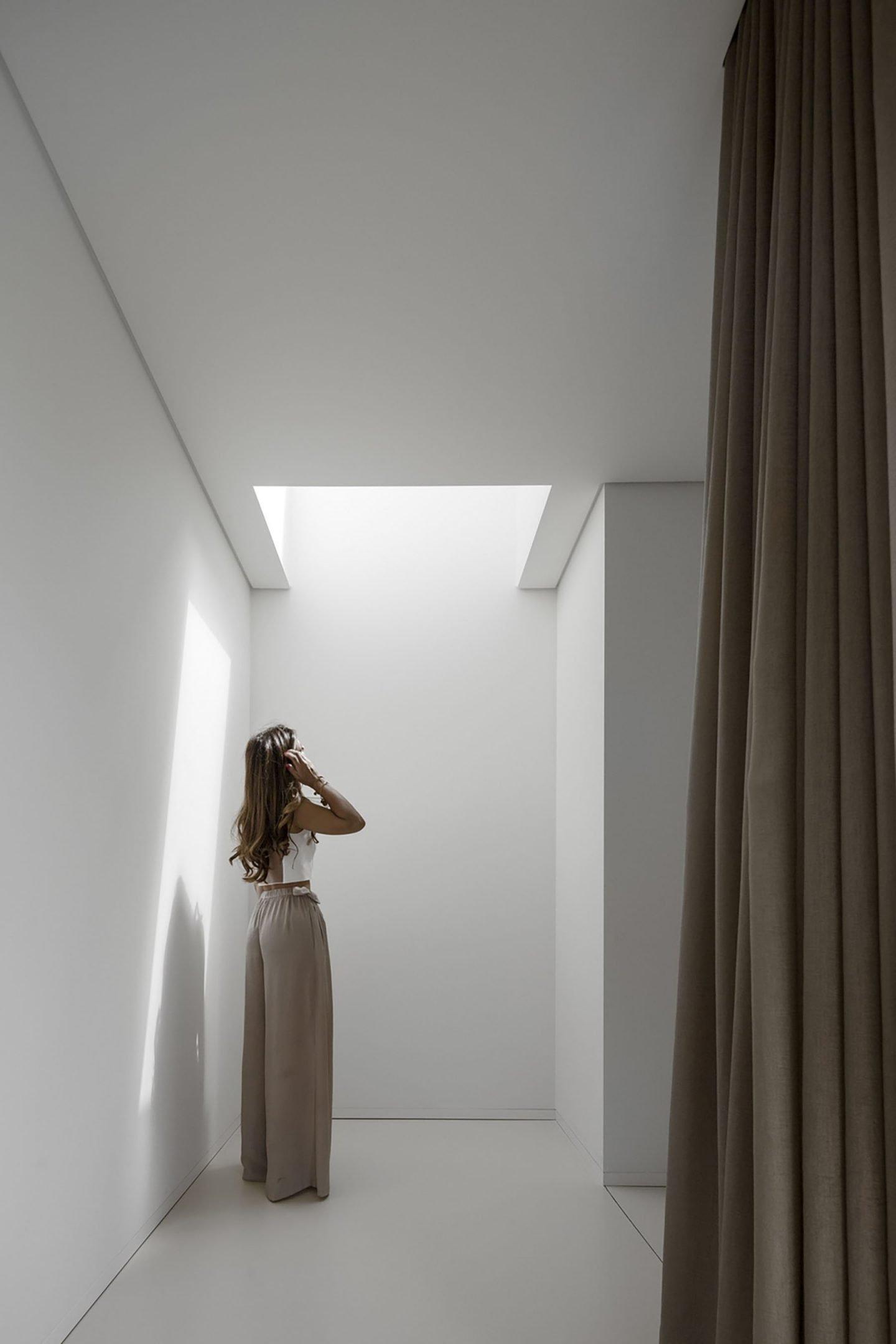 iGNANT-Architecture-Rue-Vieira-Oliveira-Brunhais-House-05