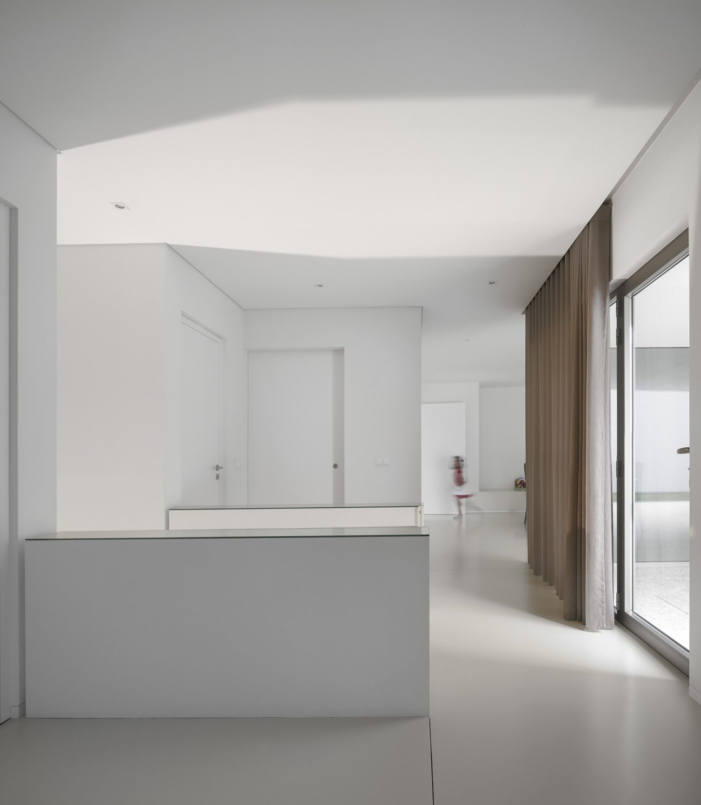 iGNANT-Architecture-Rue-Vieira-Oliveira-Brunhais-House-16