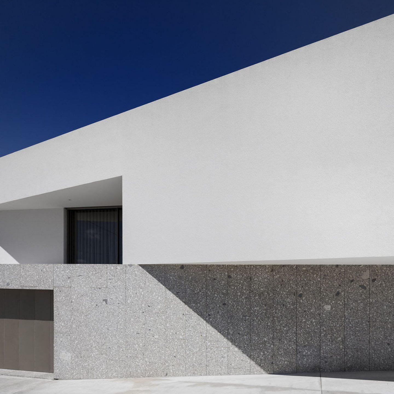 iGNANT-Architecture-Rue-Vieira-Oliveira-Brunhais-House-20