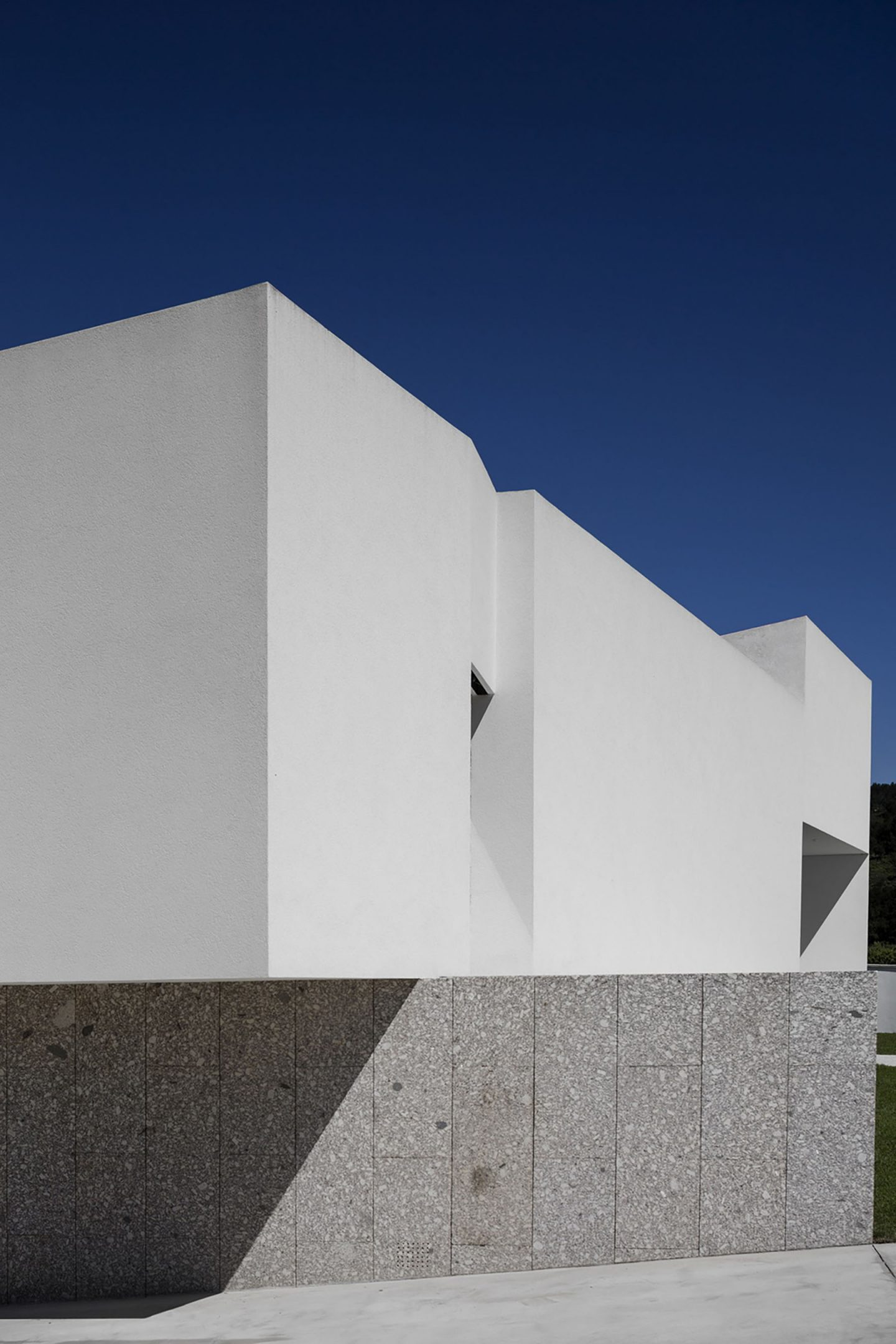 iGNANT-Architecture-Rue-Vieira-Oliveira-Brunhais-House-23