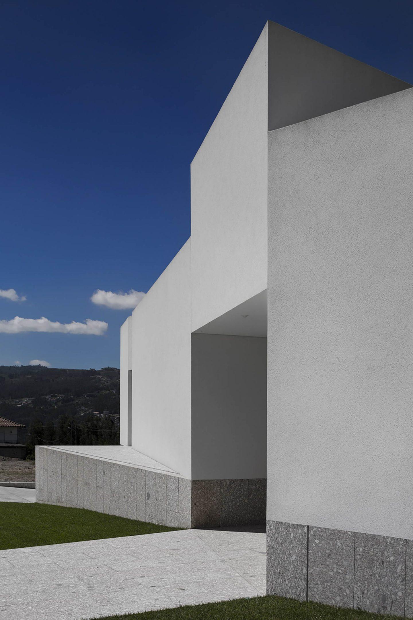 iGNANT-Architecture-Rue-Vieira-Oliveira-Brunhais-House-26