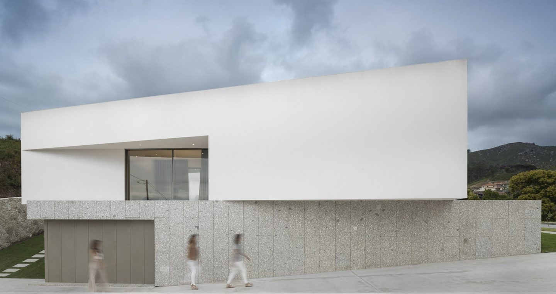 iGNANT-Architecture-Rue-Vieira-Oliveira-Brunhais-House-31