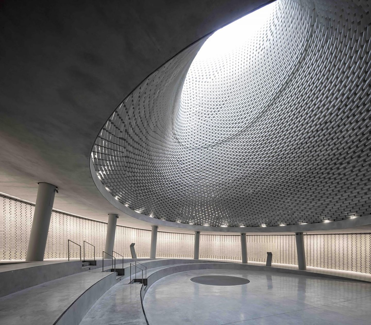 iGNANT-Architecture-Kimmel-Eshkolot-Architects-Mount-Herzl-Memorial-Hall-01