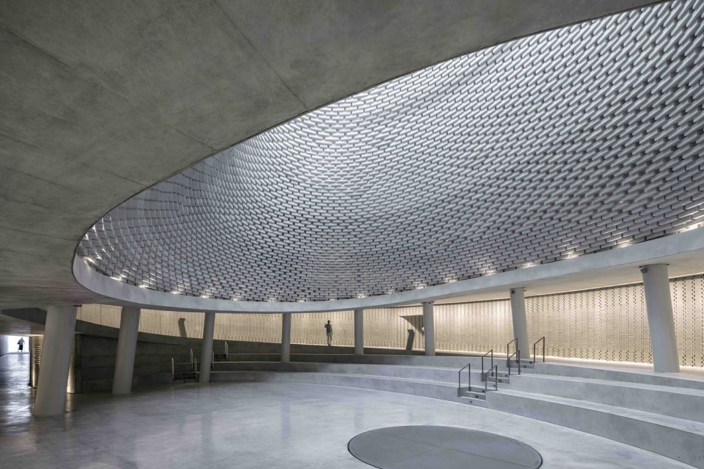 iGNANT-Architecture-Kimmel-Eshkolot-Architects-Mount-Herzl-Memorial-Hall-11
