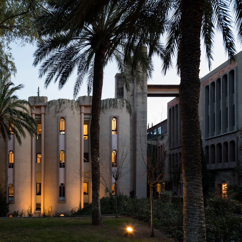 iGNANT-Architecture-Ricardo-Bofill-Cement-Factory-004