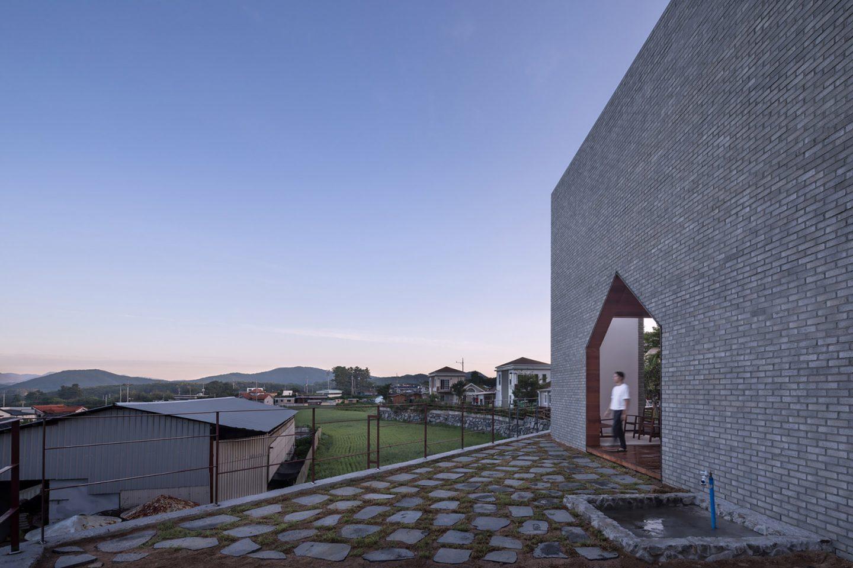 iGNANT-Architecture-Rieuldorang-Atelier-Manhwaricano-House-21