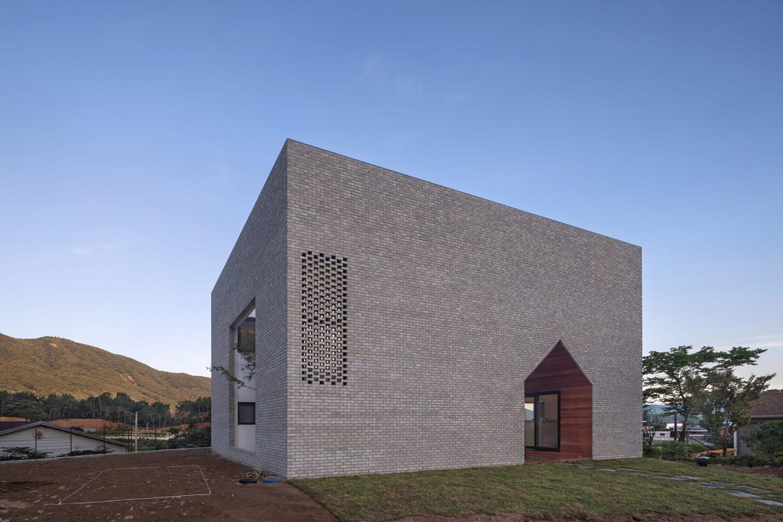 iGNANT-Architecture-Rieuldorang-Atelier-Manhwaricano-House-27