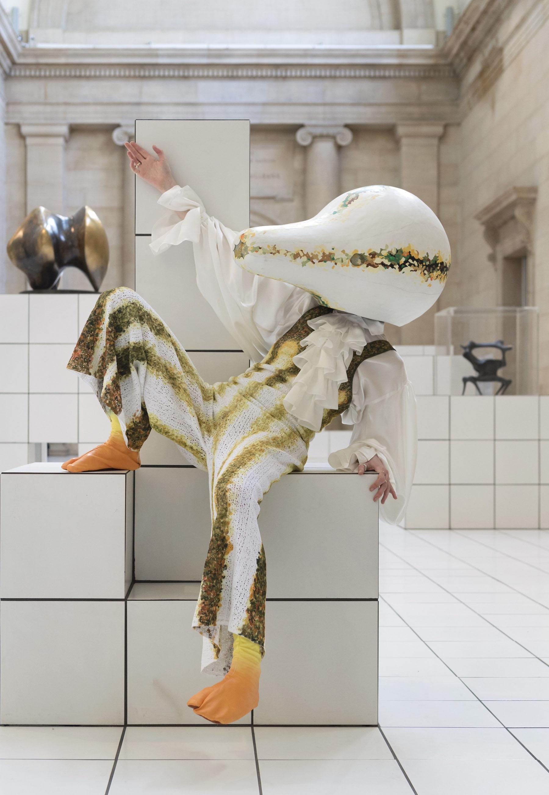 iGNANT-Fashion-Jonathan -Anderson-Anthea-Hamilton-The-Squash-05