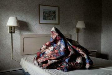 iGNANT-Photography-Noah -Kalina-Bedmounds-08