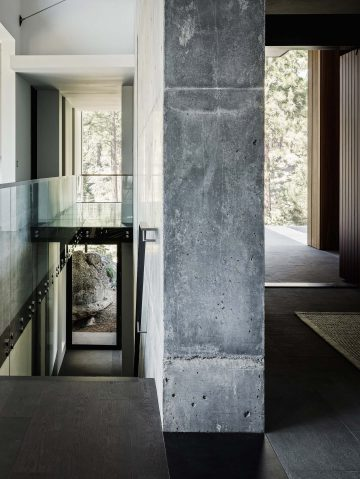 iGNANT-Architecture-Faulkner-Architects-Creek-House-12