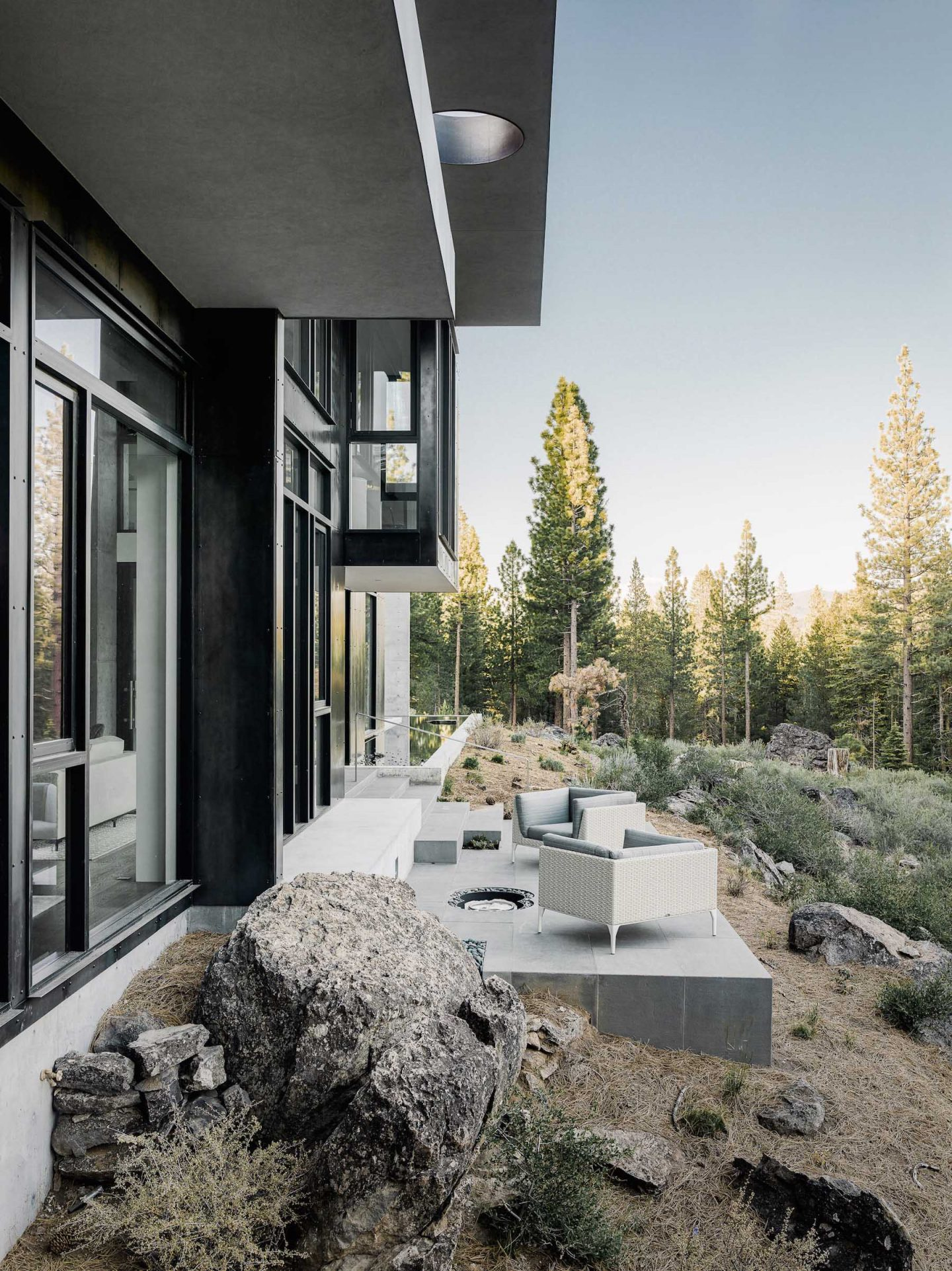 iGNANT-Architecture-Faulkner-Architects-Creek-House-26