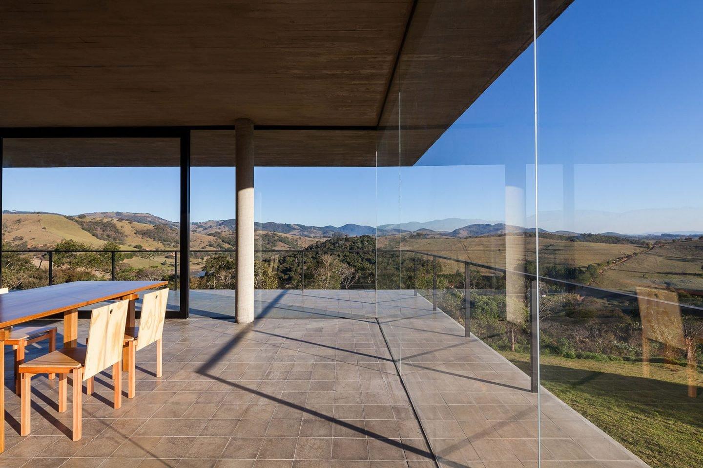 iGNANT-Architecture-Felipe-Rodrigues-Moenda-House-005