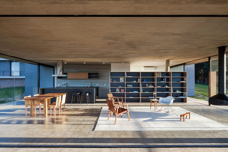 iGNANT-Architecture-Felipe-Rodrigues-Moenda-House-006
