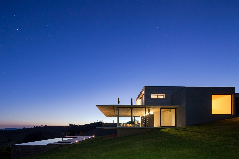 iGNANT-Architecture-Felipe-Rodrigues-Moenda-House-011