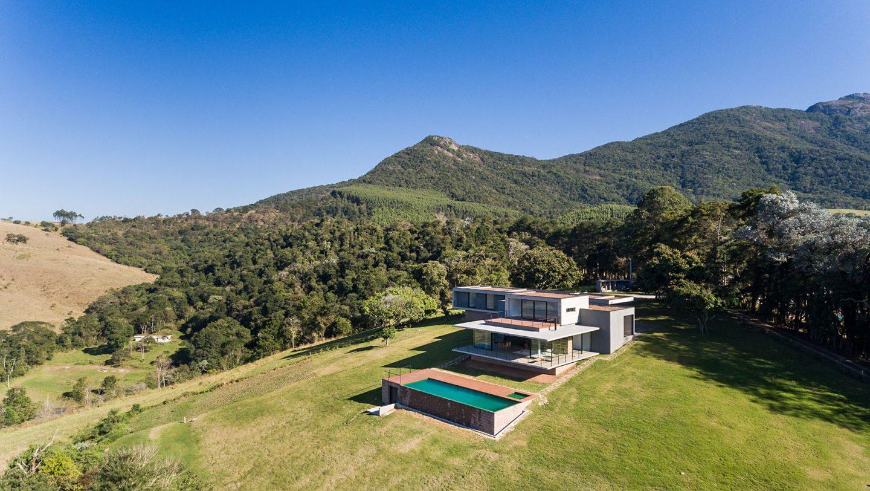 iGNANT-Architecture-Felipe-Rodrigues-Moenda-House-016