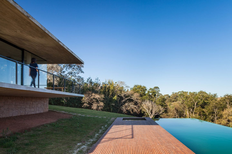 iGNANT-Architecture-Felipe-Rodrigues-Moenda-House-021