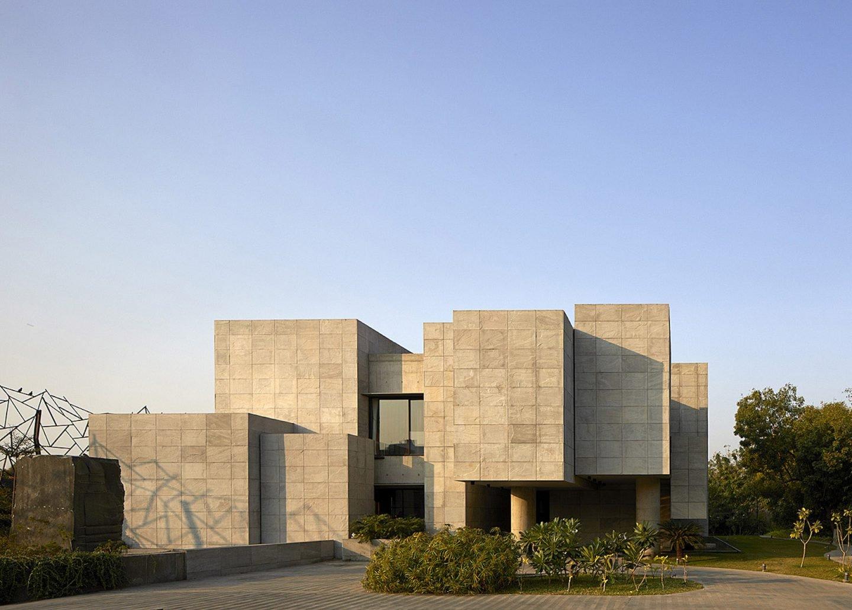 iGNANT-Architecture-Matharoo-Architects-Ahmedabad-House-01