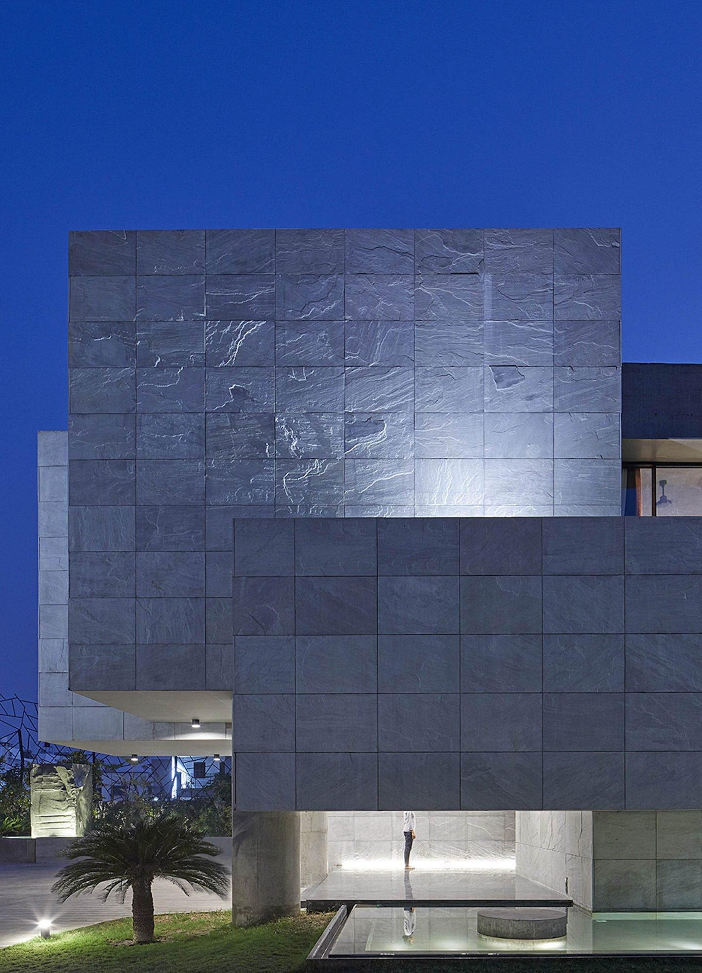 iGNANT-Architecture-Matharoo-Architects-Ahmedabad-House-03
