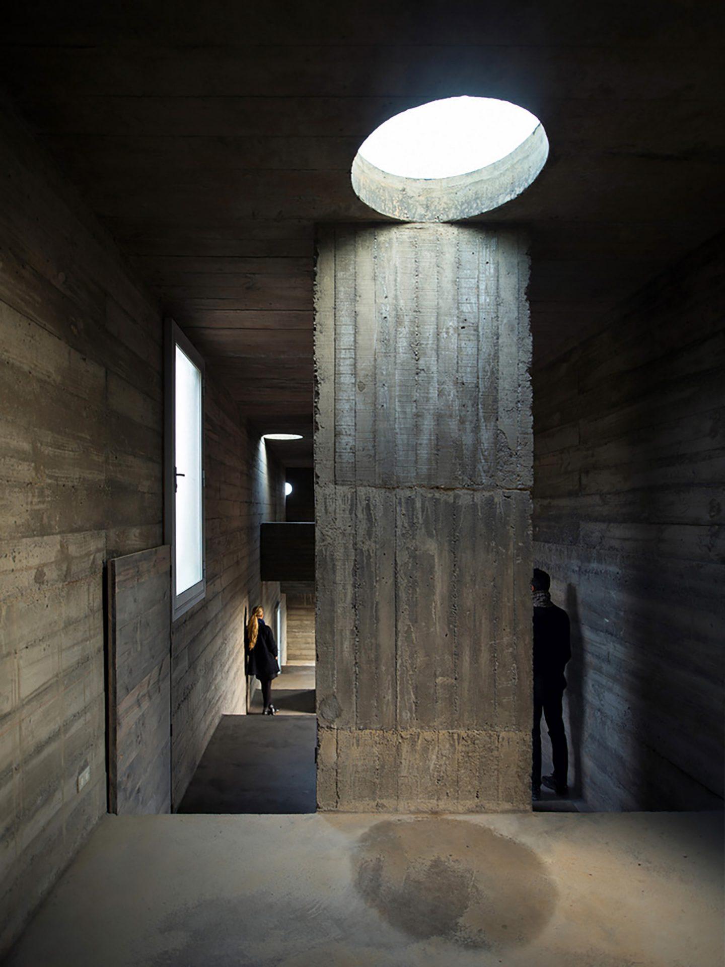 iGNANT-Architecture-Pezo-von-Ellrichshausen-Loba-House-012