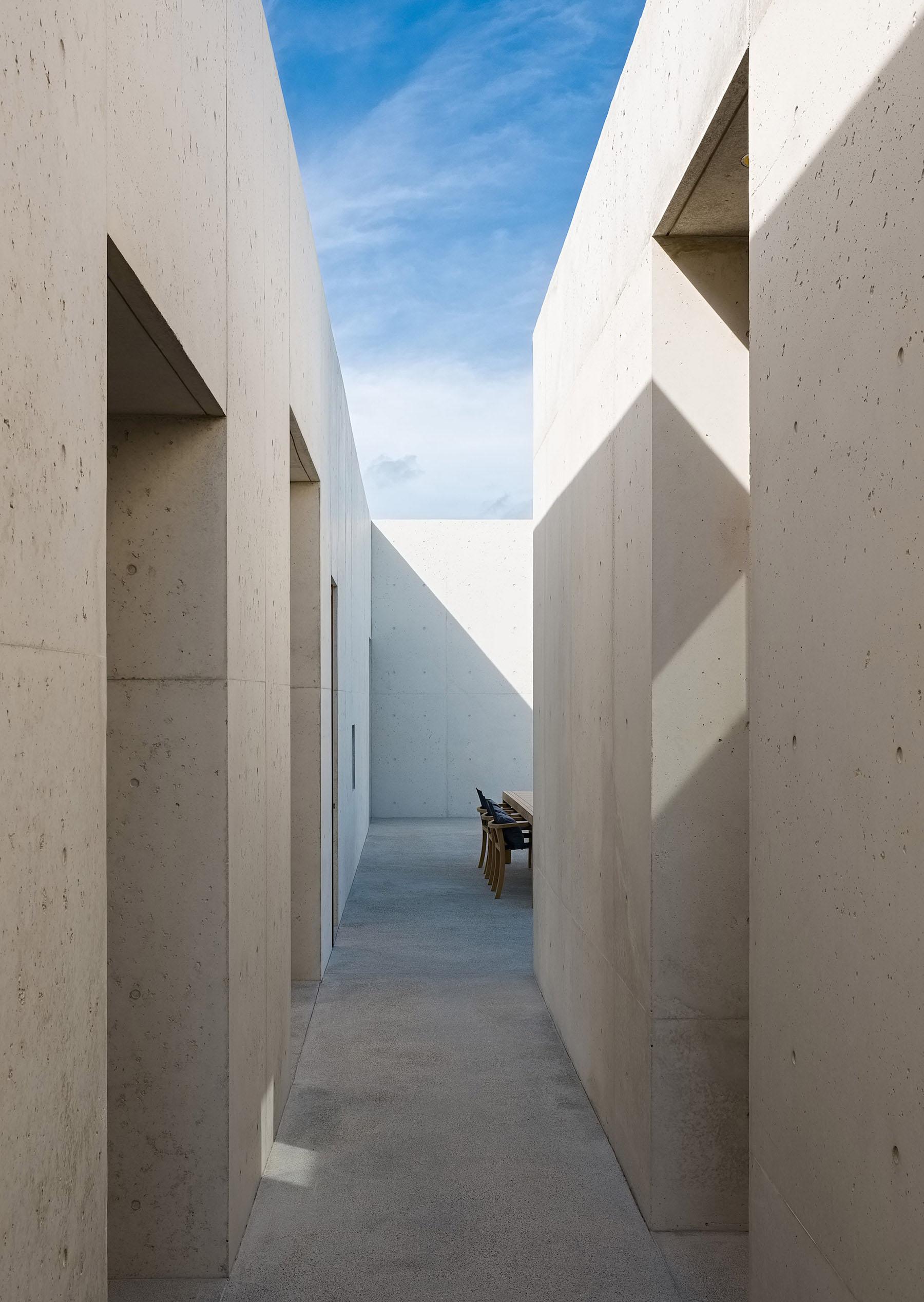 iGNANT-Architecture-Rick-Joy-Architects-La-Cabanon-06