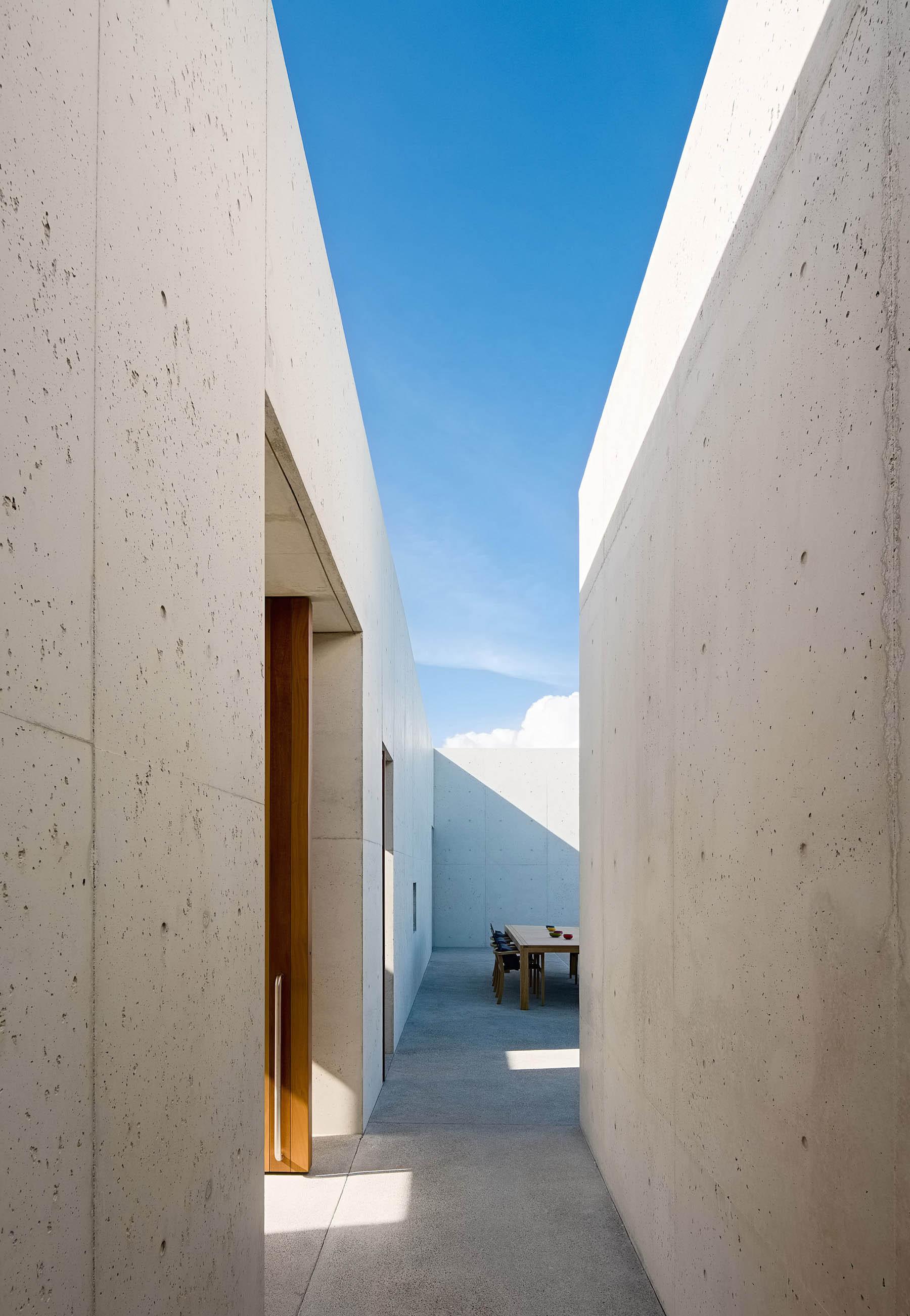 iGNANT-Architecture-Rick-Joy-Architects-La-Cabanon-22
