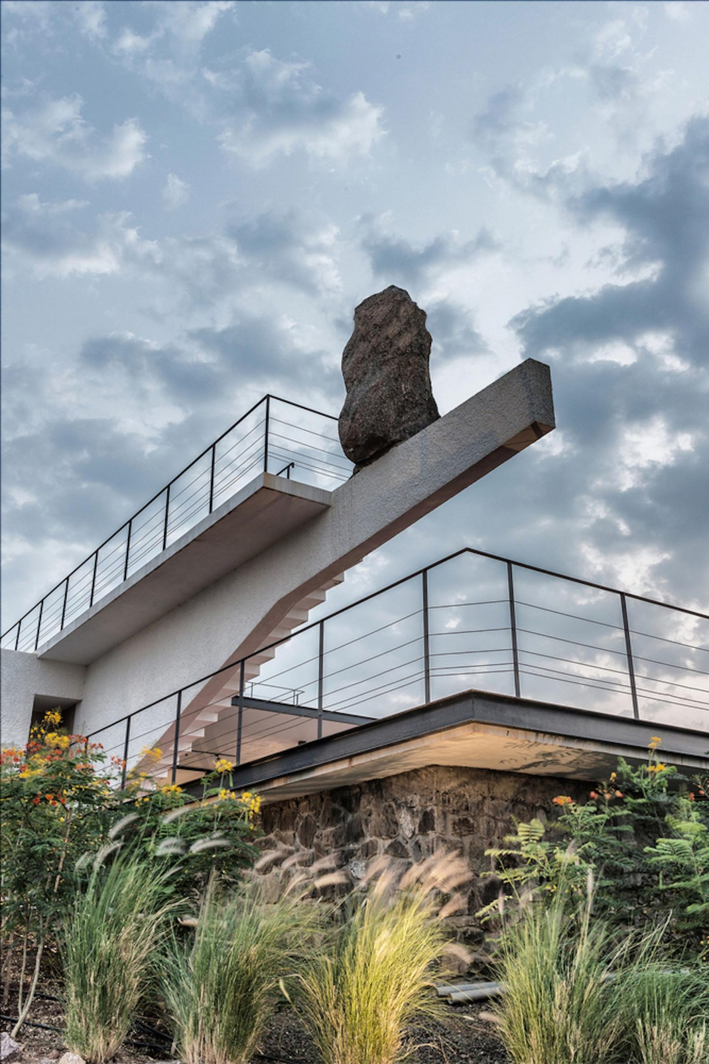 iGNANT-Architecture-Spasm-Design-The-Soaring-Rock-04