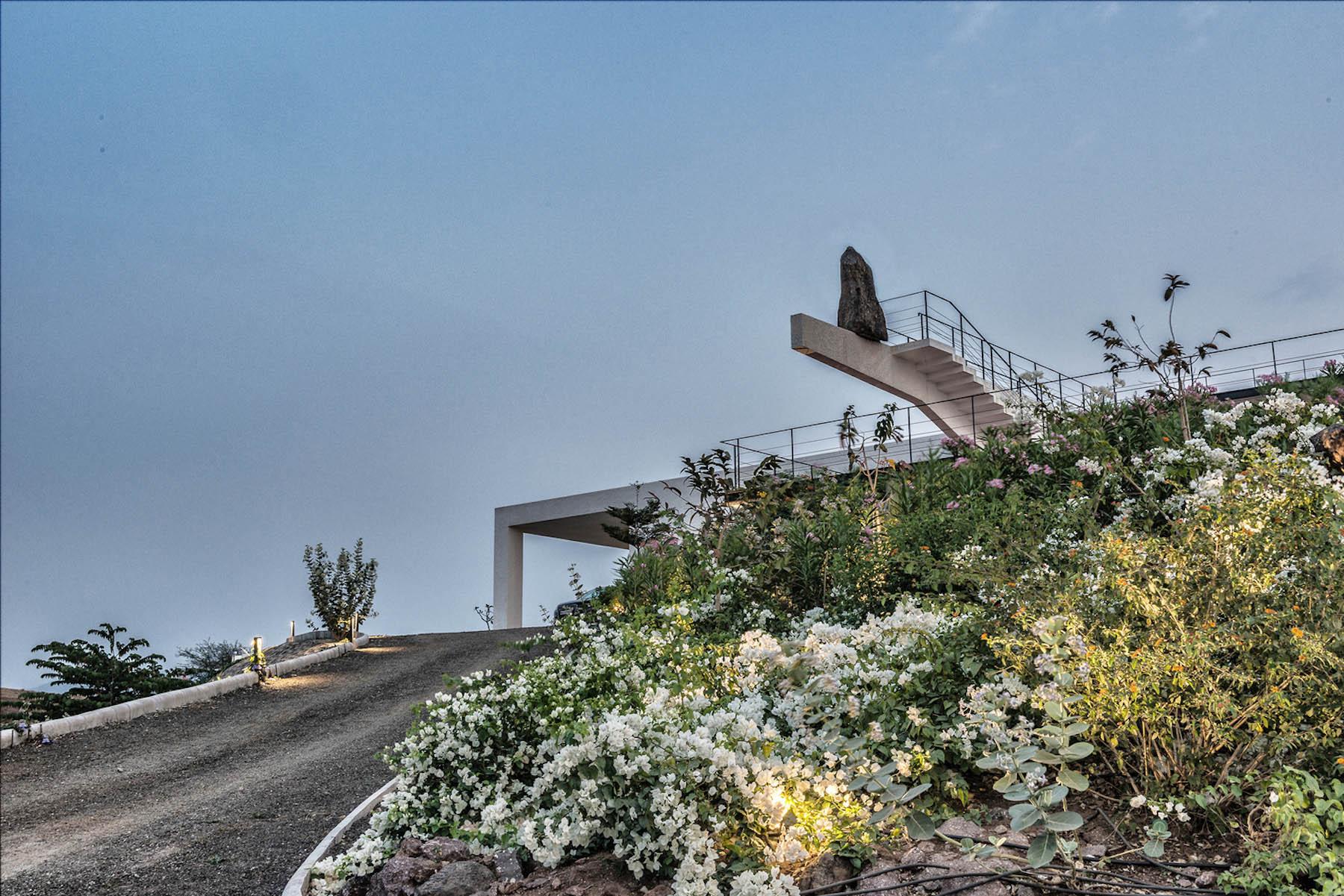 iGNANT-Architecture-Spasm-Design-The-Soaring-Rock-10