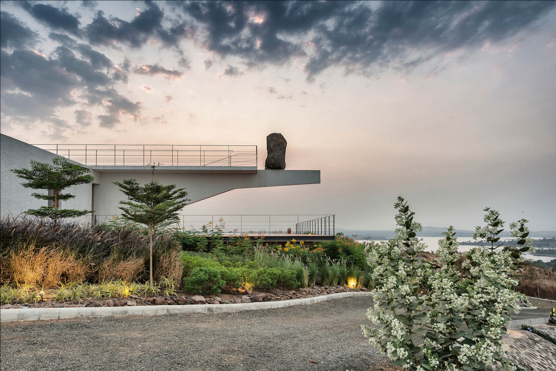 iGNANT-Architecture-Spasm-Design-The-Soaring-Rock-16