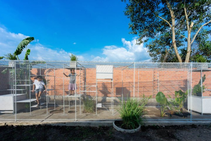 iGNANT-Architecture-Tropical-Space-Chicken-House-34