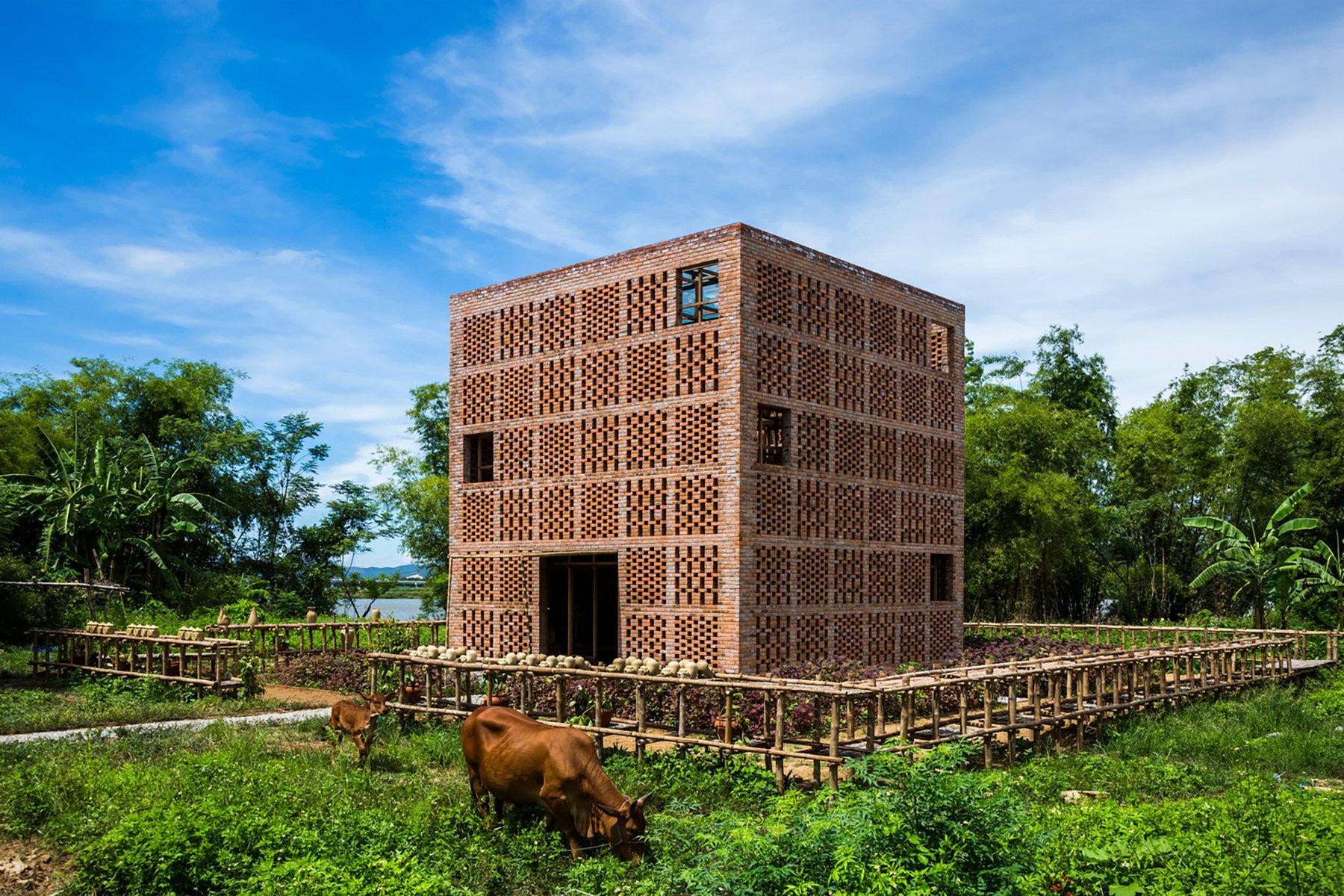 iGNANT-Architecture-Tropical-Space-Terracotta-Studio-001