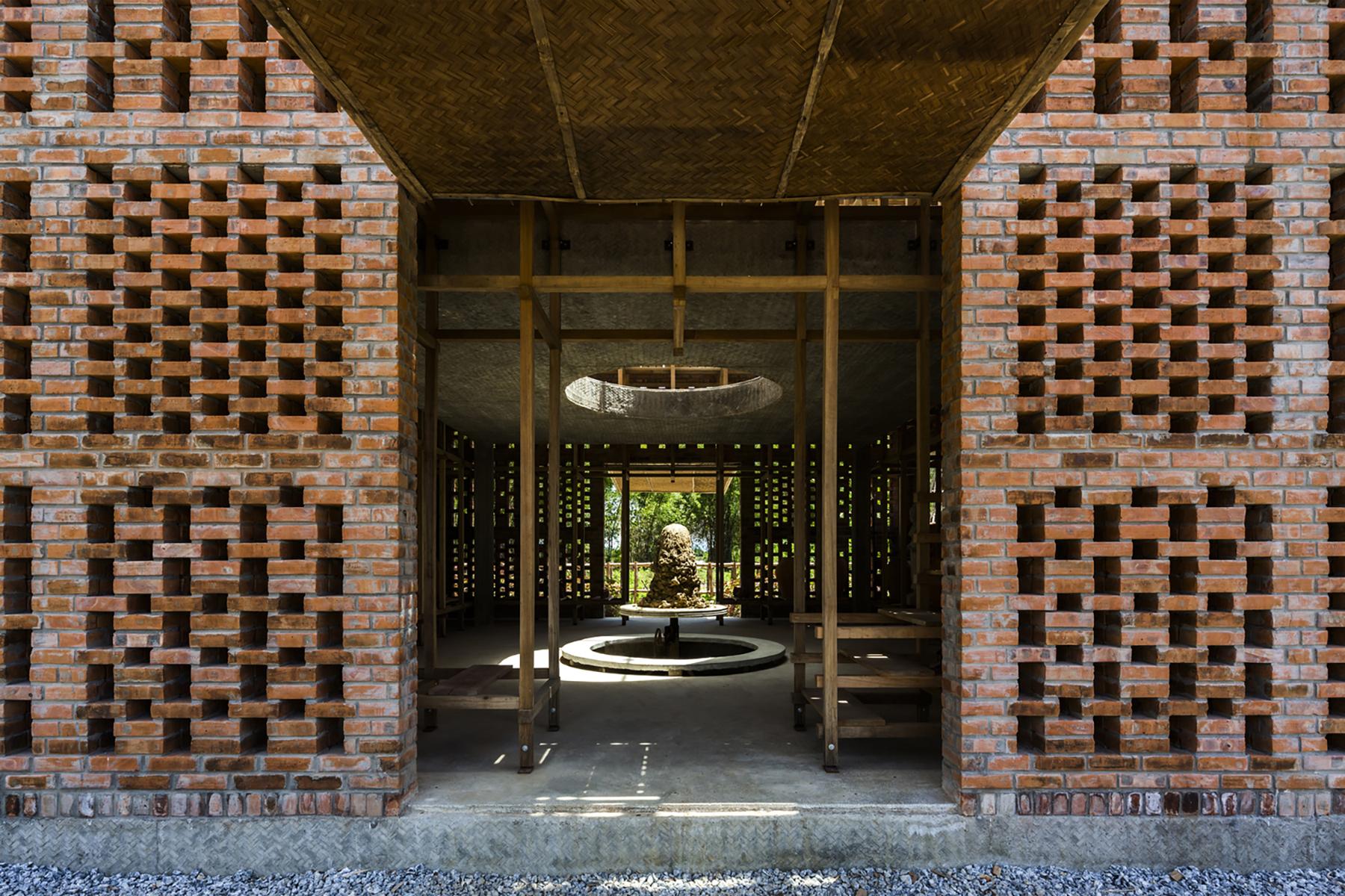 iGNANT-Architecture-Tropical-Space-Terracotta-Studio-005