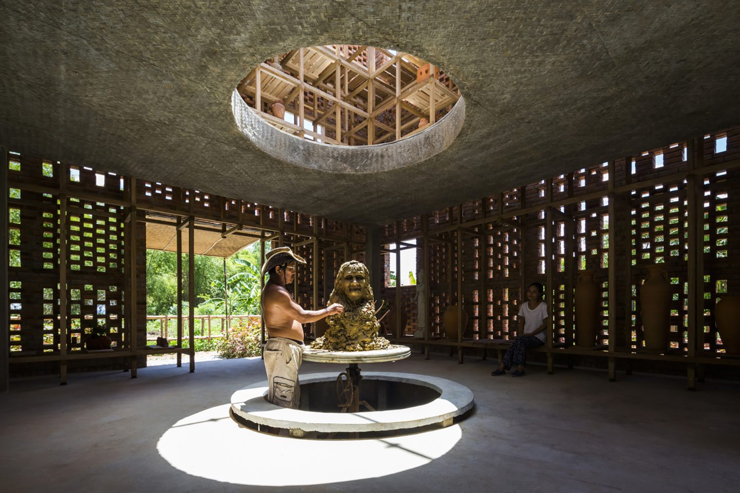 iGNANT-Architecture-Tropical-Space-Terracotta-Studio-008