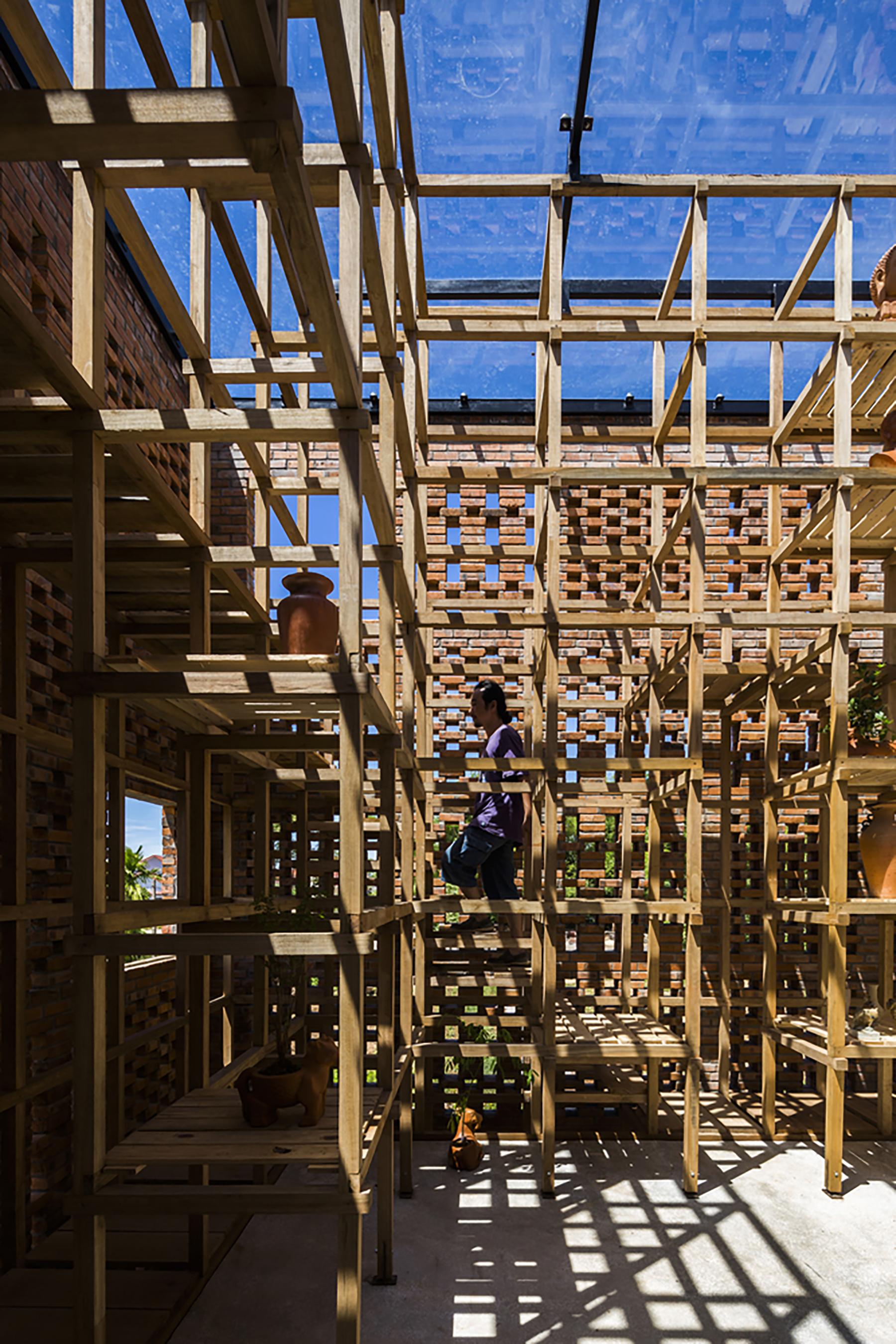 iGNANT-Architecture-Tropical-Space-Terracotta-Studio-020