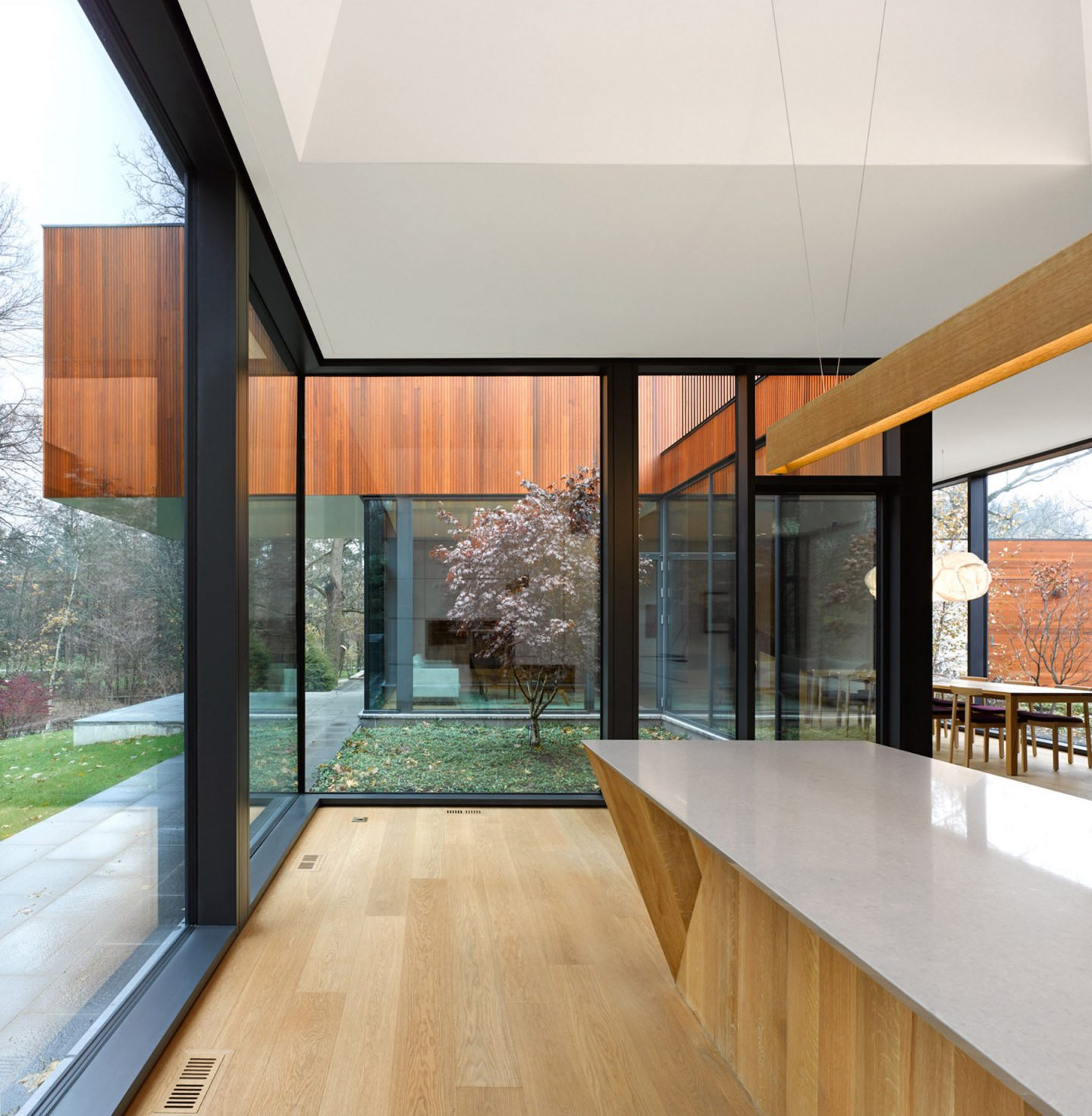 iGNANT-Architecture-Williamson-Williamson-The-House-On-Ancaster-Creek-17